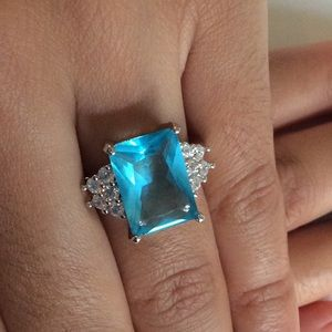 Jewelry - 925 sterling 7ct Aquamarine Solitaire Ring